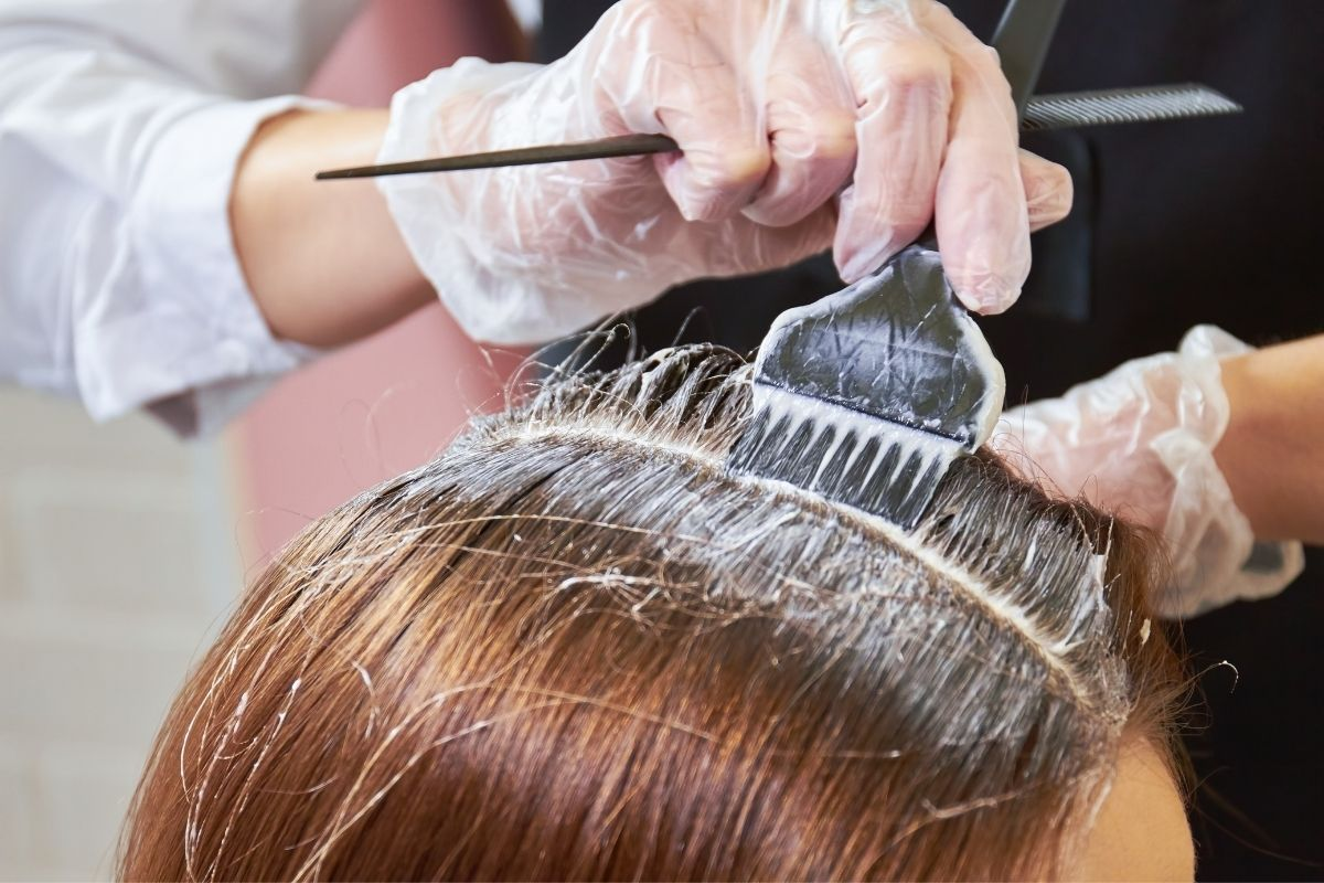 A young lady avail sombre hair color at the salon